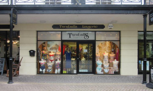 Turnbulls Boutique Store outside View