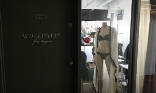 Workingirls Fine Lingerie Boutique outside View