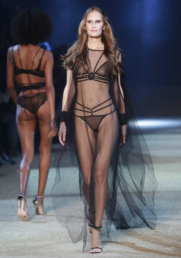 Lingerie Brand Etam Release Her Sexy New Collection At Paris Fashion Week