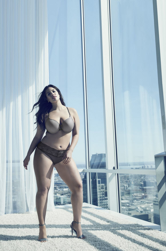 Ashley Graham Release Her New Lingerie Collection