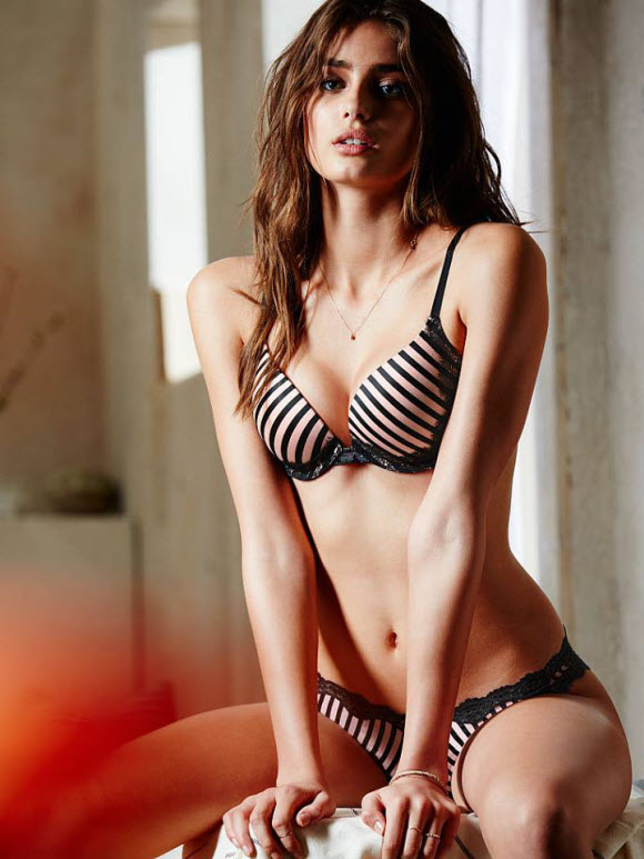 Taylor Hill lingerie model profile biography