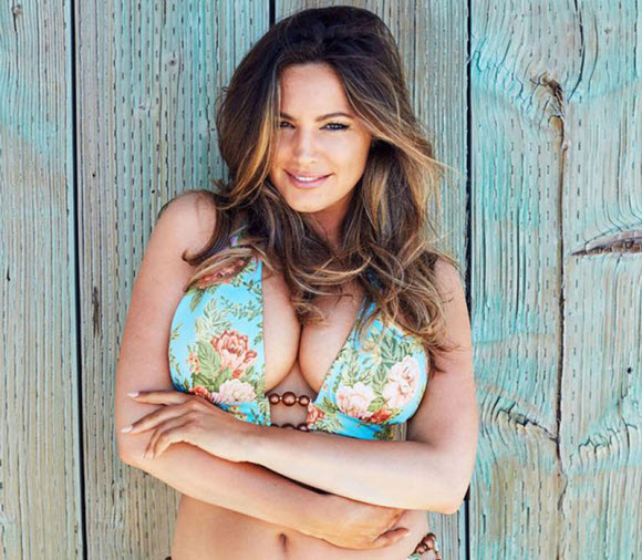 For Her Calendar , Kelly Brook Poses Nude On Beach