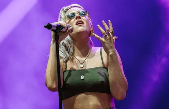 Pop Singer Anne-Marie's Nipples Clearly Visible In Her Tiny Outfit On Live Concert