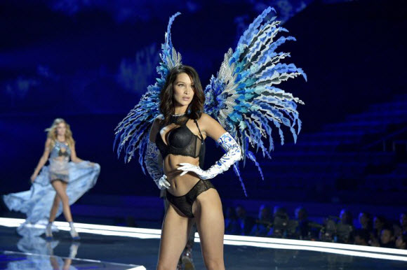 Bella Hadid Faces Nip Slip In Sexy Lingerie During Victoria's Secret Fashion Show