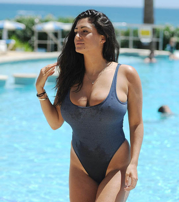 Casey Batchelor Show Off Her Unbelievable Curves In Skintight Swimwear