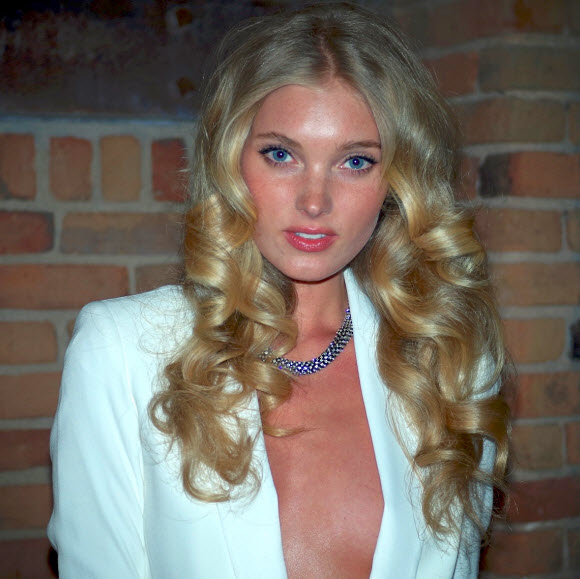Victoria's Secret Angel Elsa Hosk Poses Completely Naked In Sexy Snap Shot