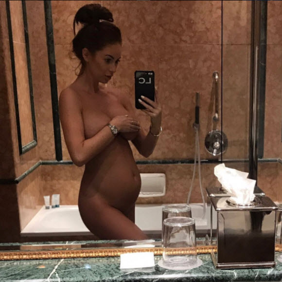 Laura Carter Poses Nude As She Reveals She's Expecting A Baby Boy