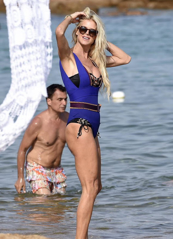Swedish Model Victoria Silvstedt Stunning In Two Sexy Swimwear In Sardinia Beach