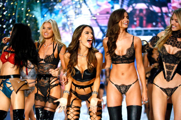 Victoria's Secret Officially Announce The Models For The 2017 Runway Show
