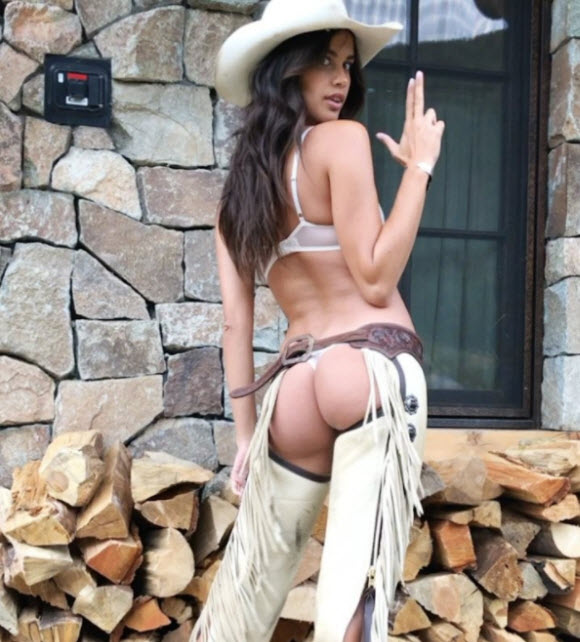 Victoria's Secret Angels In Stunning Busty Look In Western Style At Aspen Mountains